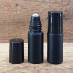 Recipient roll-on negru, suport negru biluta, 5 ml
