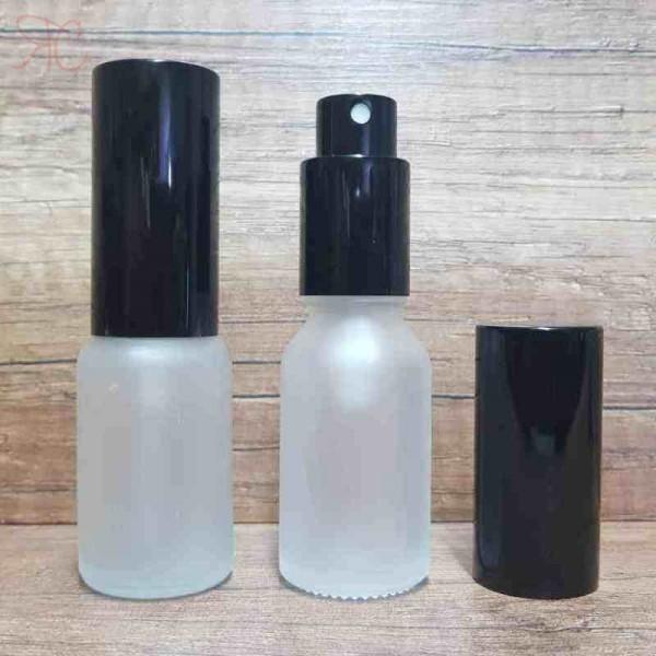 Sticla alba frosted de parfum cu pulverizator, 15 ml